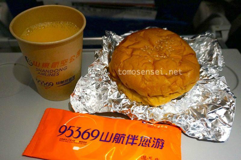 <山東航空機内食>SC8886/BKK-(KMG)-URC