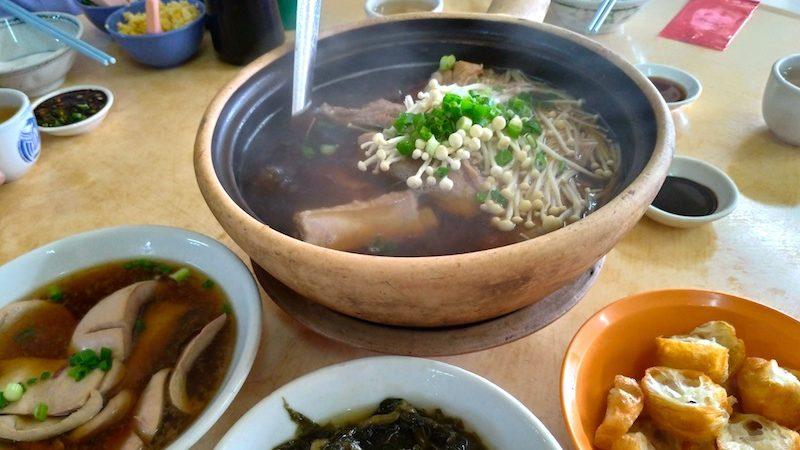 【マレーシア】ジョホールバルでバクテーの朝ご飯「水晶肉骨茶」