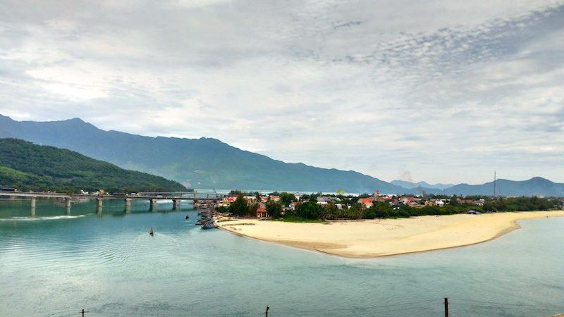 【ベトナム】ダナン空港から古都フエまでの快適で楽しい移動方法