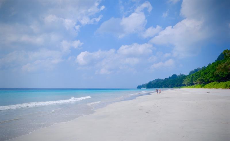 【インド】アジアでナンバーワンに選ばれた「ラドハンガービーチ」へ