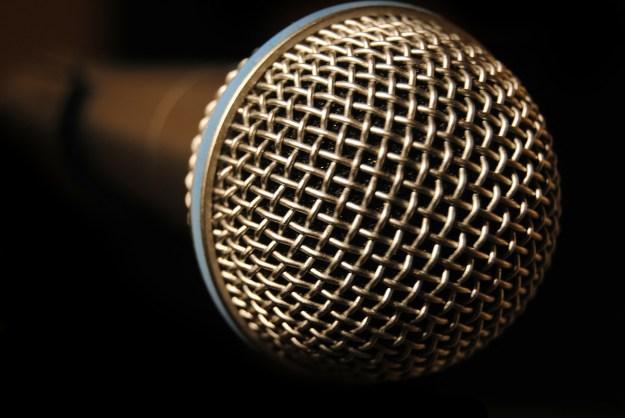 microphone-233717_1280