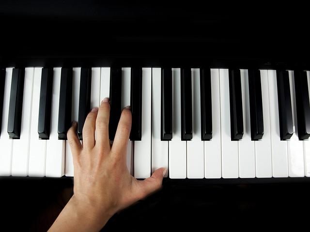 piano-2412410_640