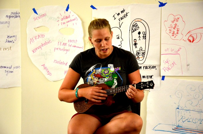 Dia singing with her ukele