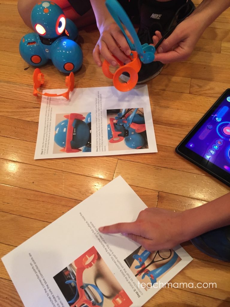 bring STEM to life with Dash and Dot robots meet robots   teachmama.com