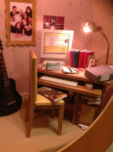 Dollhouse-Built-Inside-of-Guitar-1