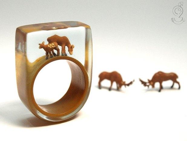 miniature-worlds-inside-jewelry-isabell-kiefhaber-1