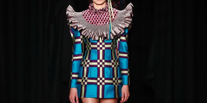 Viktor & Rolf – Haute Couture – Spring 2018- Tons of Satin!