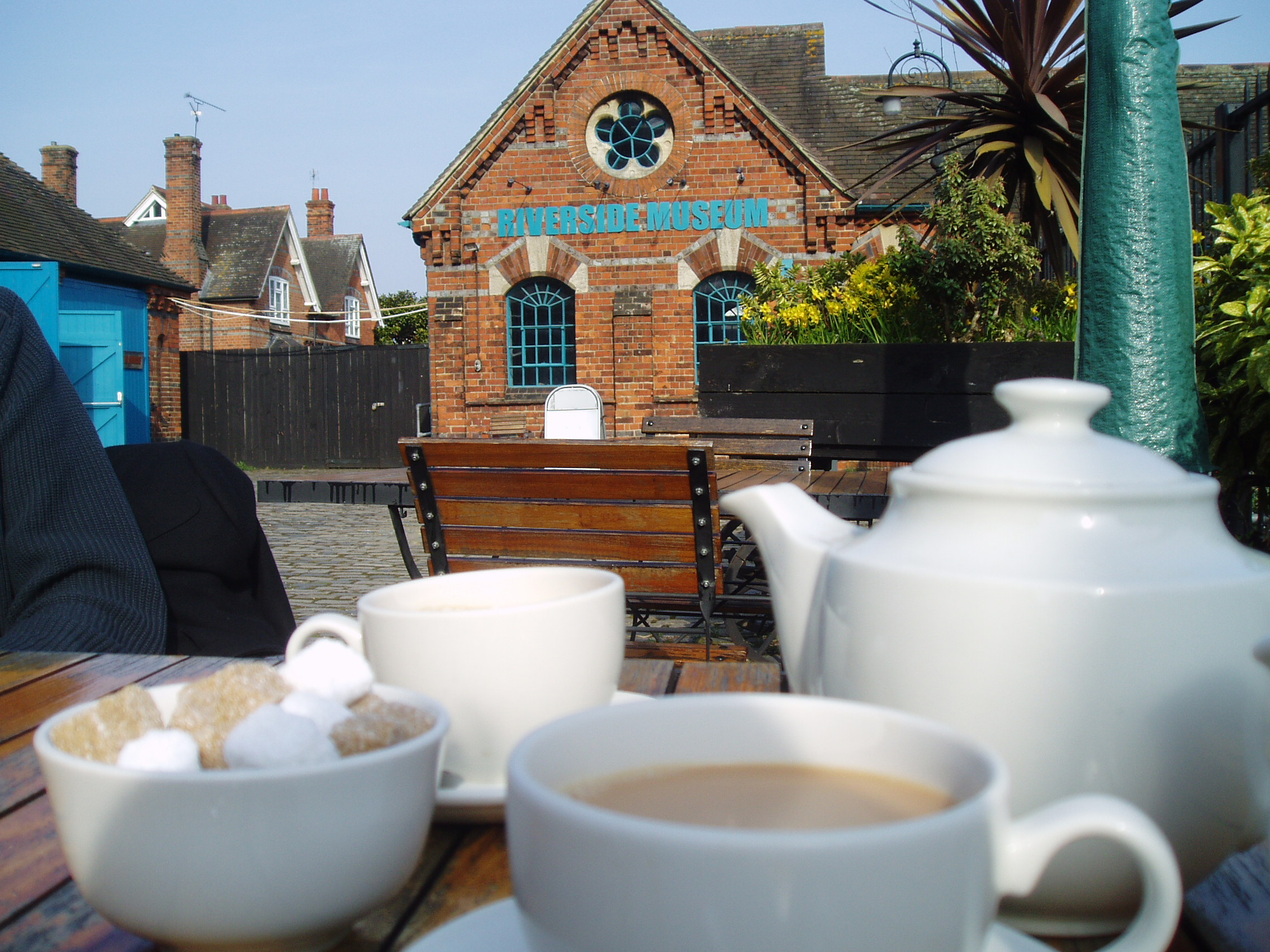 Tea at Bel and The Dragon, with the Riverside Museum in the background