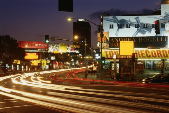 Service, to sip, Sunset Boulevard