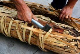 use an axe to break the bamboo lattice wrap