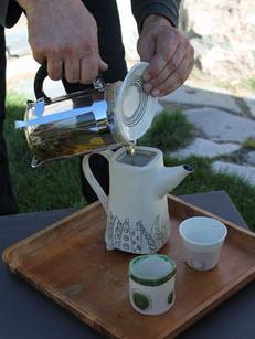 tj3_art_origin_canada_westholme_teapot_240px