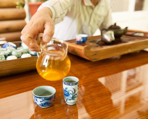 Tasting Alishan Zhulu tea in Shizhao, Taiwan