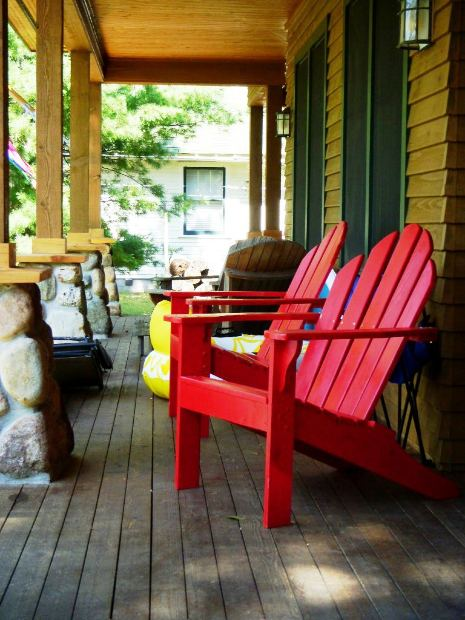 Adirondack Chairs Are the Best Style of Outdoor Patio
