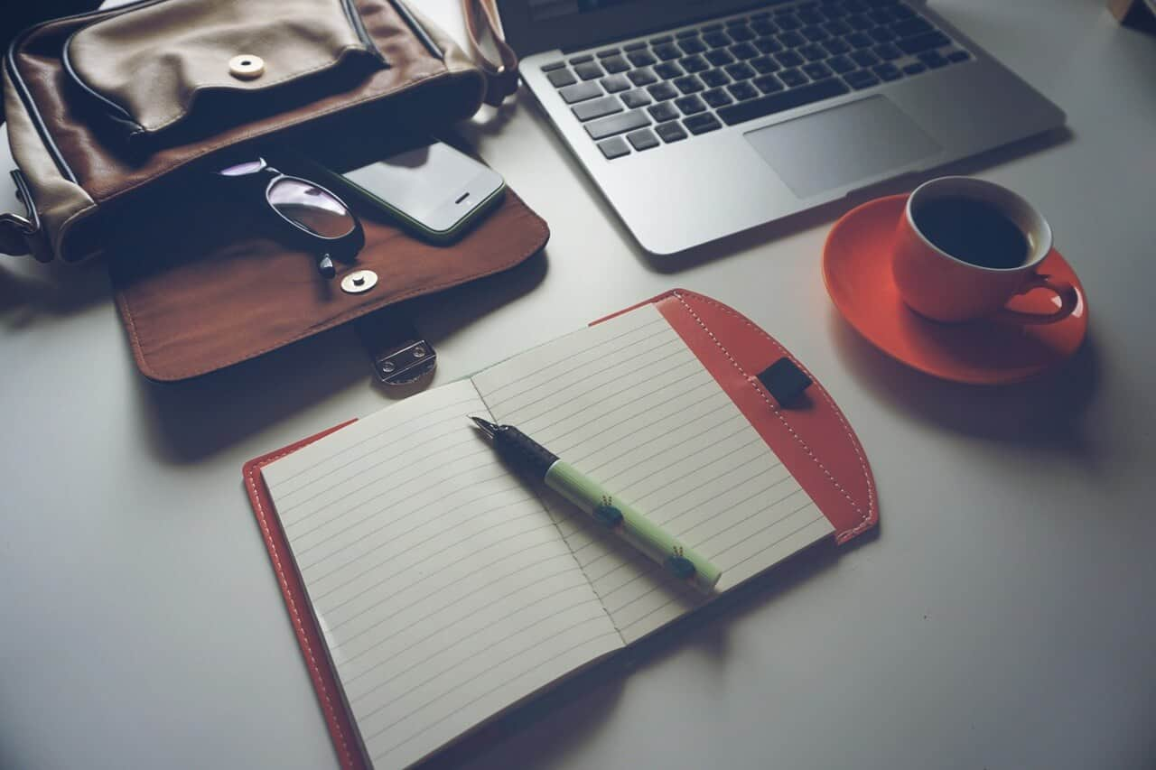 A Complete Guide to Start the Profitable Blog You've Been Dreaming About