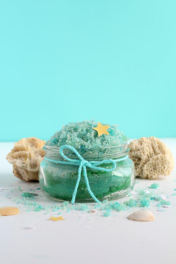 Mermaid sugar scrub DIY