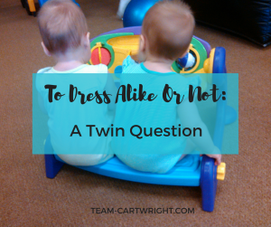 Should twins be dressed alike? Here are some pros and cons to dressing your infant twins alike.