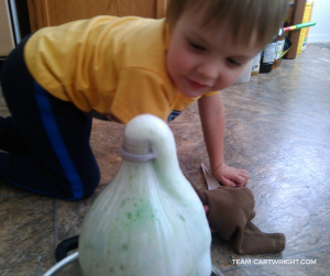 Looking for a fun STEM project to really wow your kids? Try elephant toothpaste. Easy, fun, and safe to play with. This sensory eruption will impress your children and grab their attention. STEM with kids | Preschool Learning Activity | Easy Science Projects #STEM #science #easy #safe #preschool #toddler #learningactivity #scienceproject Team-Cartwright.com