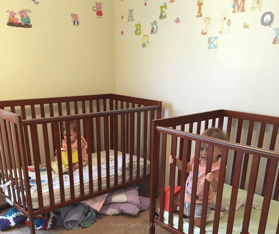 Toddler twin sleep tips! Get 8 great tips to help your toddler twins sleep, get through sleep regressions, and stay in their cribs. #ToddlerTwins #TwinSleep #TwinTips Team-Cartwright.com