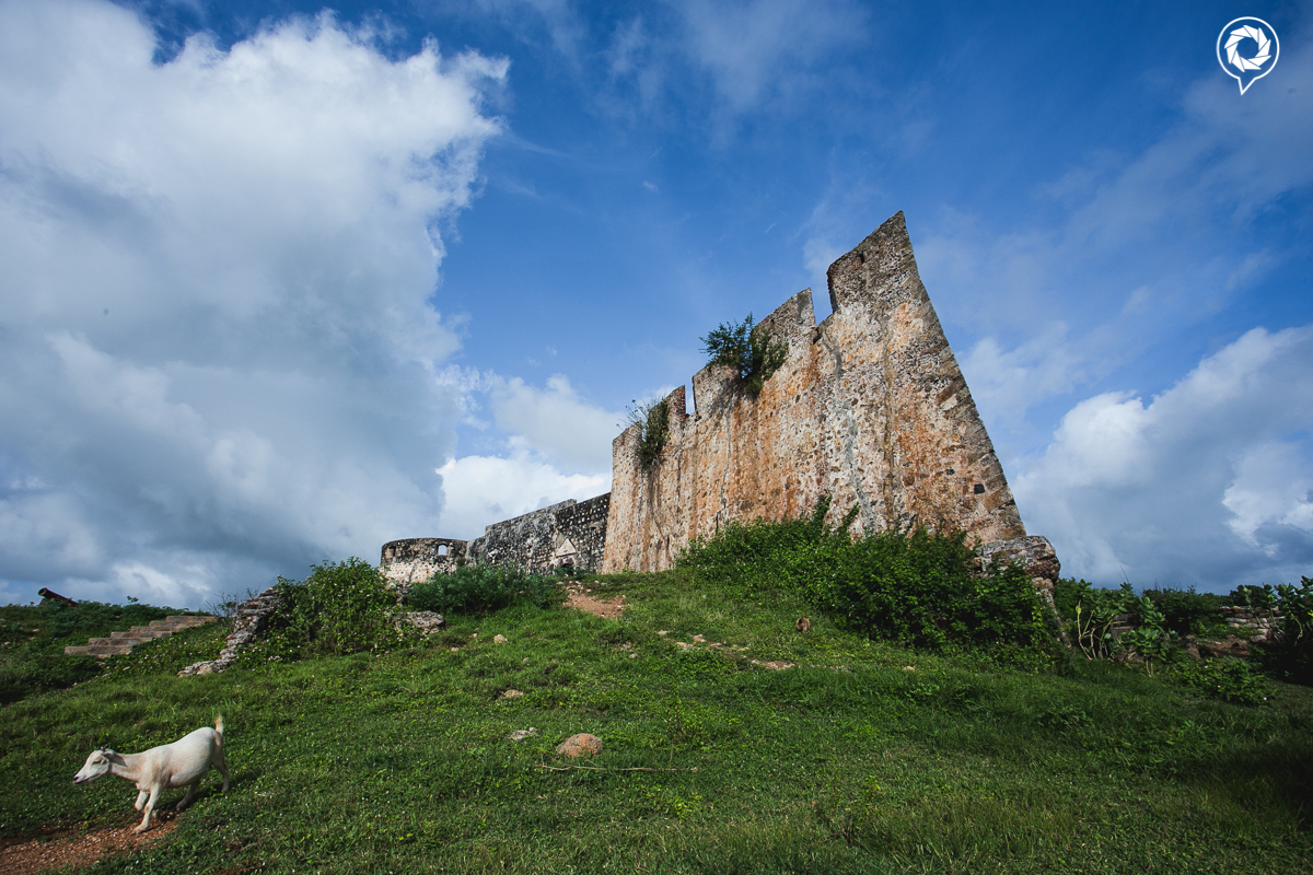 A view of Fort Kormantin as one climbs up the hill