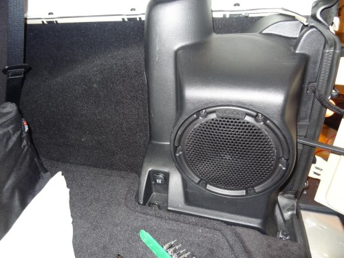small resolution of jeep wrangler factory subwoofer wiring