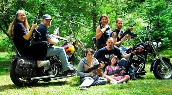 awful family photos. Families and guns from TeamJimmyJoe.com, worst bad family pics