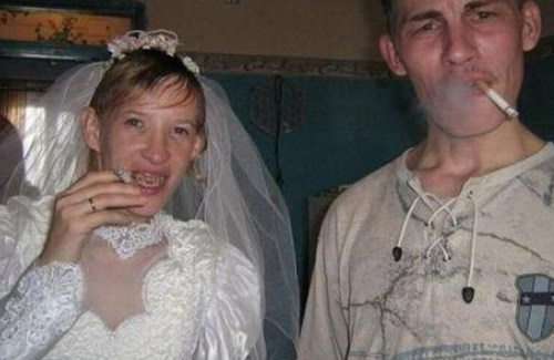 smoking bride & groom bad wedding pictures, bad wedding photography worst wedding pictures funny wedding photos funny pictures funny wedding funny engagement announcements funny wedding announcements awful horrible dumb stupid ugly wedding dresses, russian weddings ugly bride