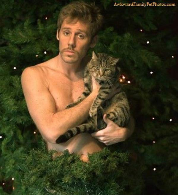26 Funny Christmas Photos for the Whole Family ~ ~ naked man with cat