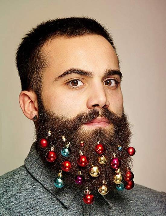 26 Funny Awkward Christmas Photos ~ Hipster beard decorated in bulbs