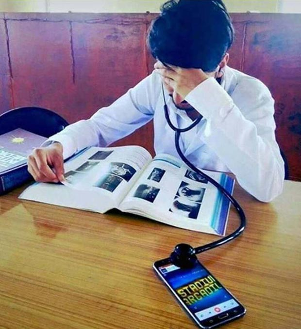 A doctor that knows how to redneck engineer! ~ stethoscope headphones