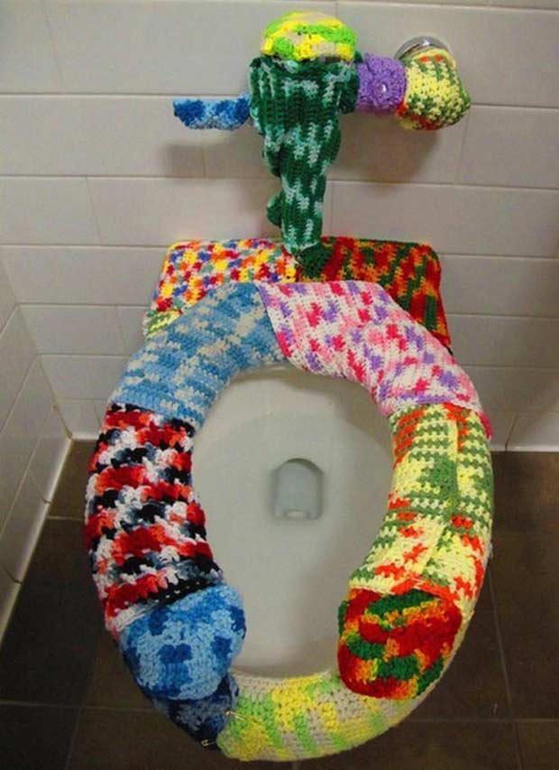 Can a toilet be any more inviting? ! crocheted toilet seat covers