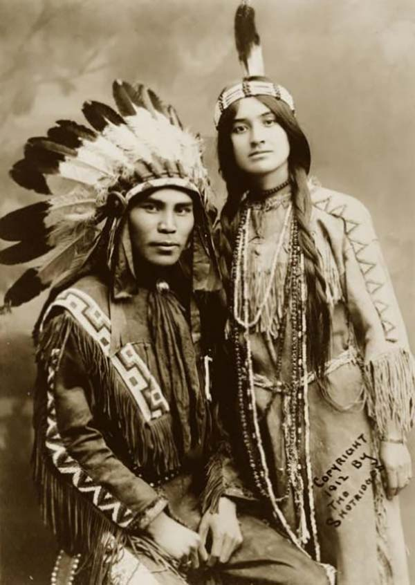 Situwuka and Katkwachsnea, a handsome Native American couple in 1912.