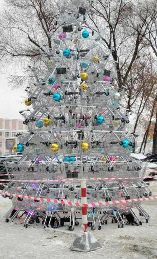 Shopping cart Christmas tree ~ funny Christmas pics