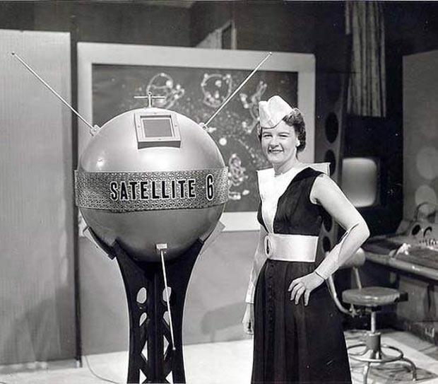 Vintage tv news scifi satellite 6 with model