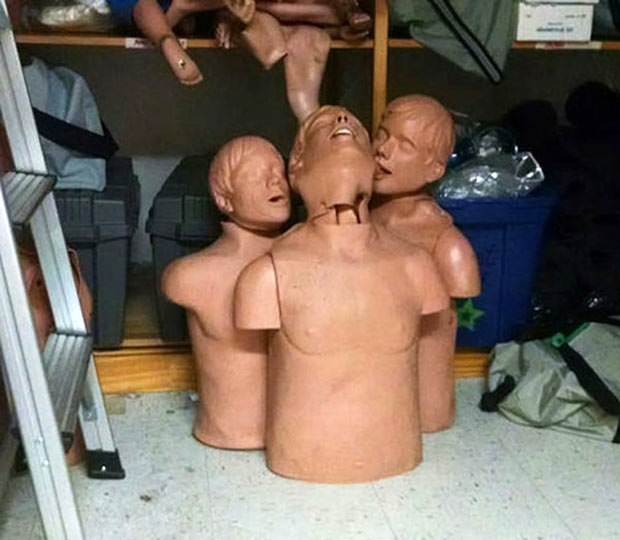 Adult Humor ~ 31 Funny Memes and Pics ~ Creepy Mannequins love