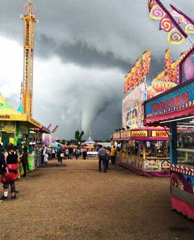 33 Funny Memes and Pics to Release Your Inner Humor ~ weather, nature, tornadoes at carnival fair