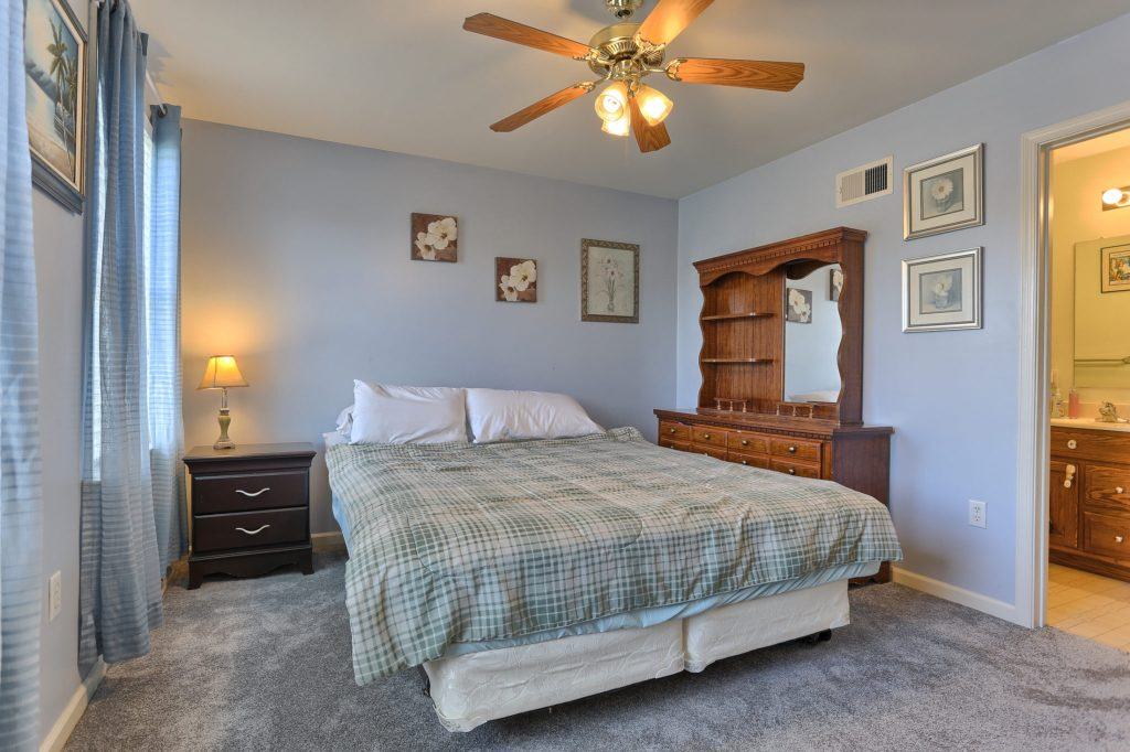 189 Twin Creeks Dr - Master Bedroom