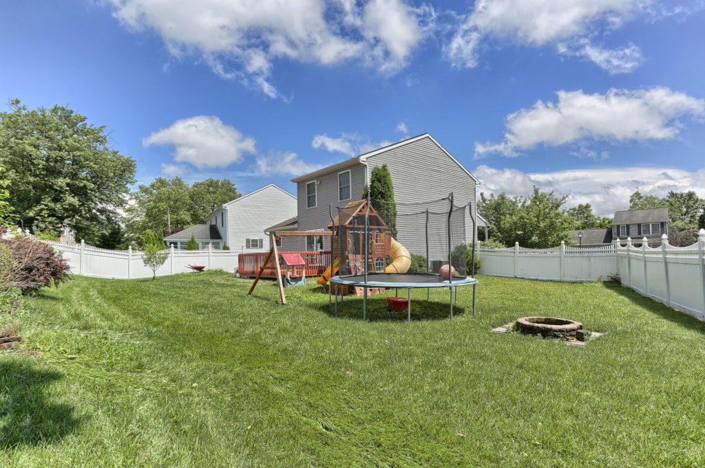 189 Twin Creeks Yard - 3