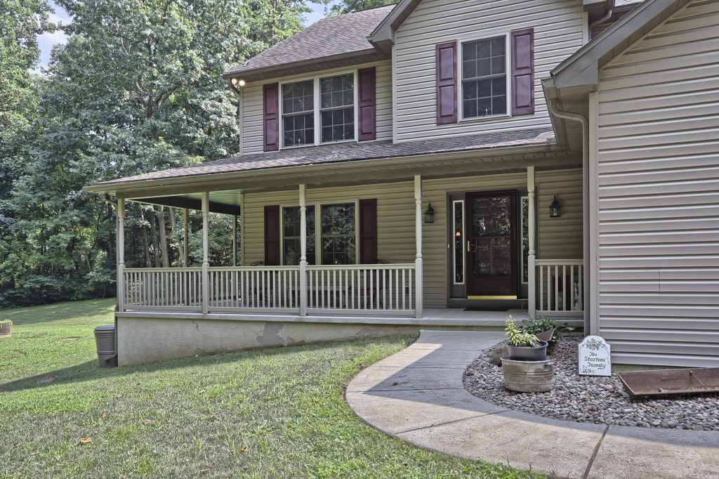 204 Black Oak Road - Front Porch