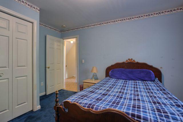 594 Cloverbrook Dr - bedroom 2 and closet