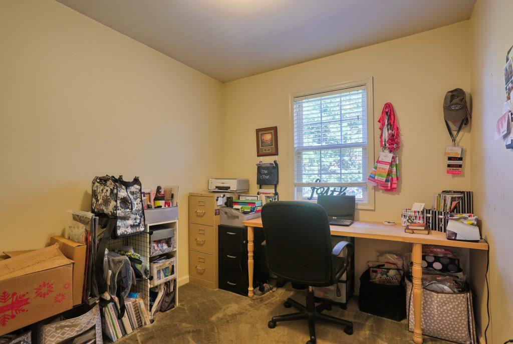 594 Cloverbrook Dr - bedroom 3