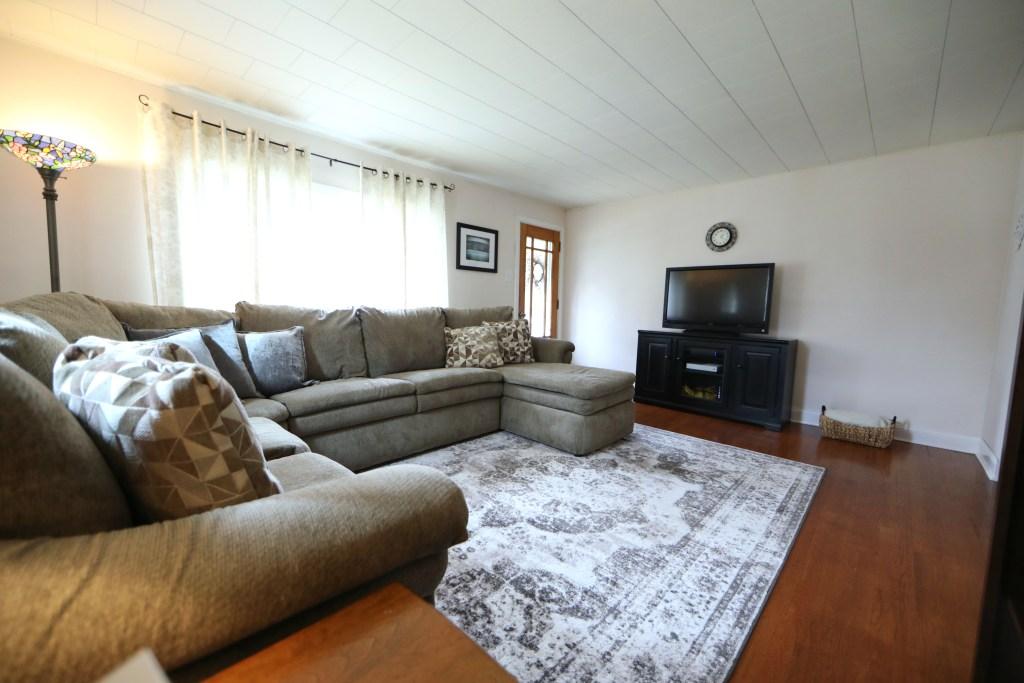44 Memorial Blvd - Living Room 3