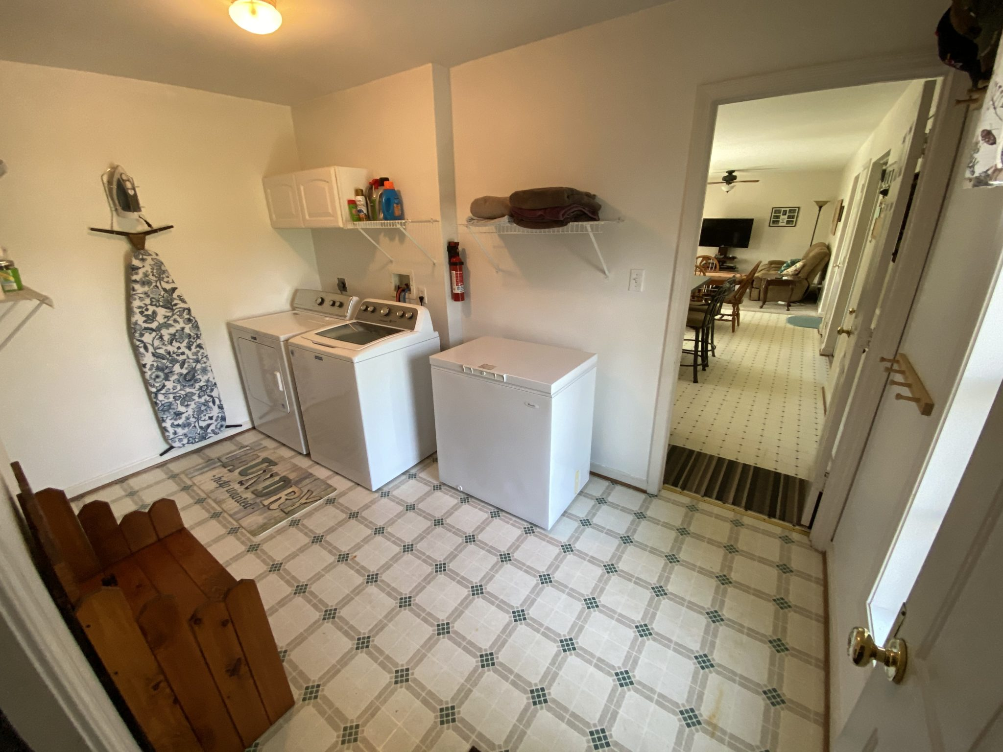 22 Norma Ln - Laundry Room