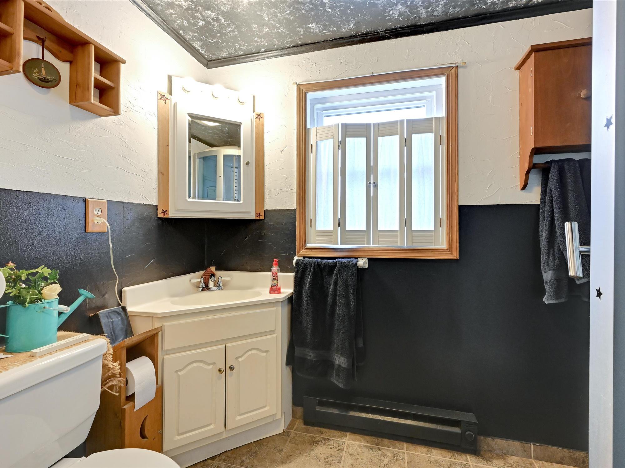 1617 Greenwood Dr. - Hall Bathroom