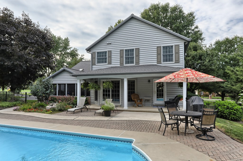 233 Troon Way - Large paver patio gives ample space for entertaining
