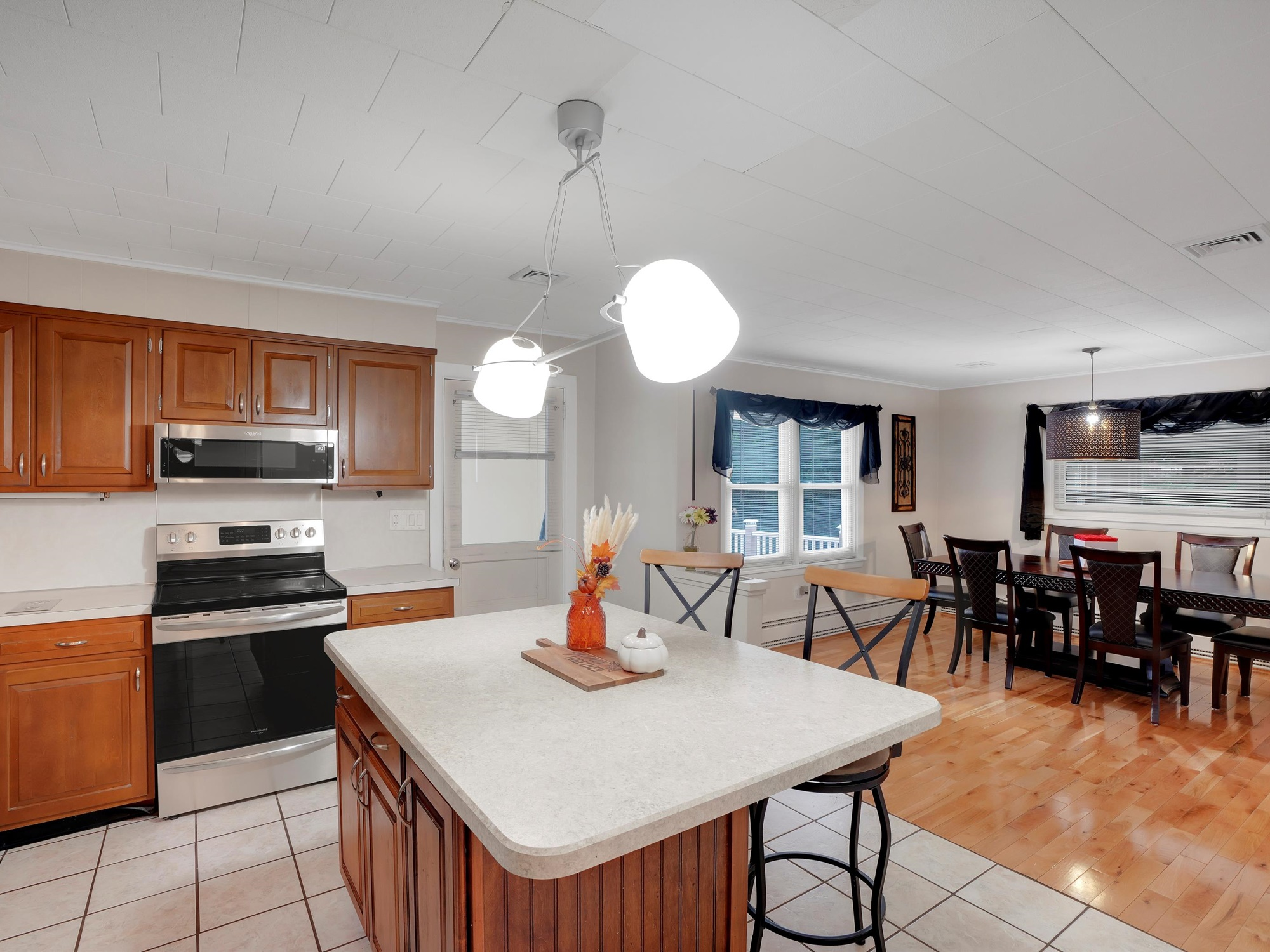 2022 Kline St - Charming Single Family home with kitchen and dining area