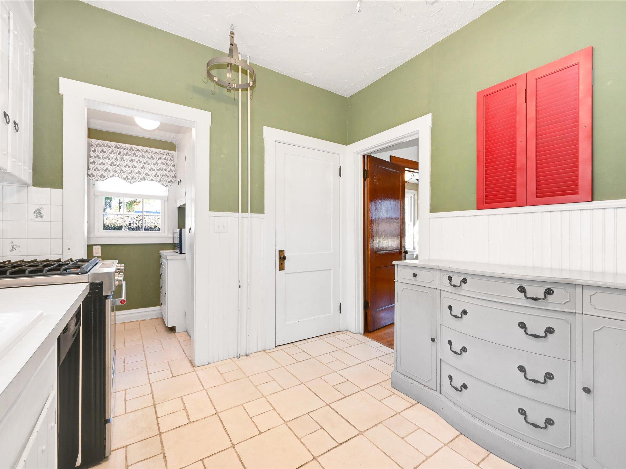 111 Pine Street - Kitchen