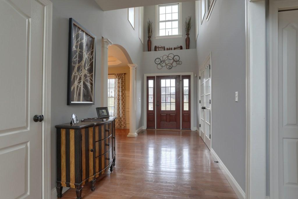 2000 Mallard Lane - 2 story foyer