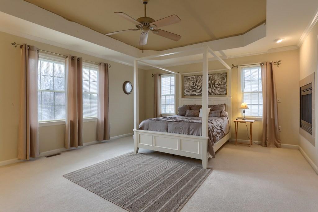 2000 Mallard Lane - spacious cedar crest home with large primary bedroom