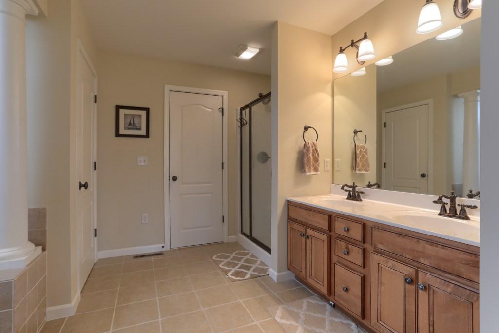 2000 mallard lane - en-suite bathroom features double vanity