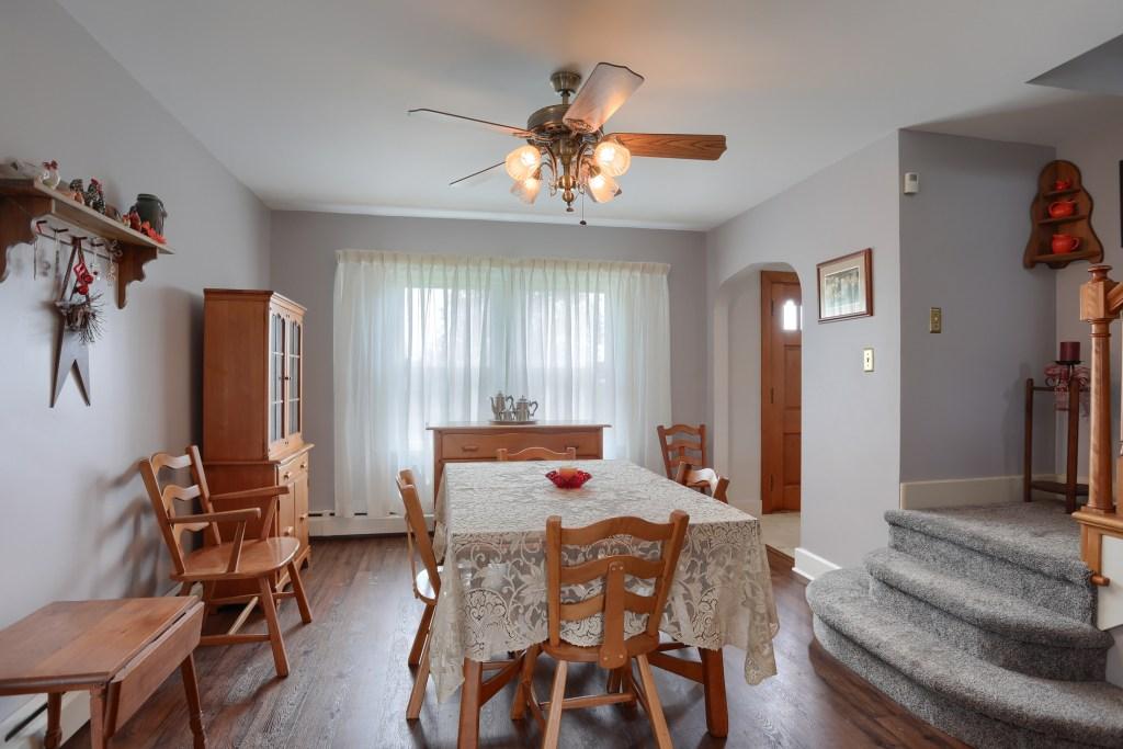 17 E. Hill Street - Dining room